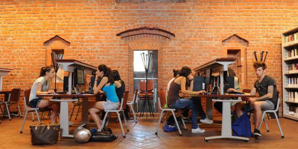 Online dating Studio 2012